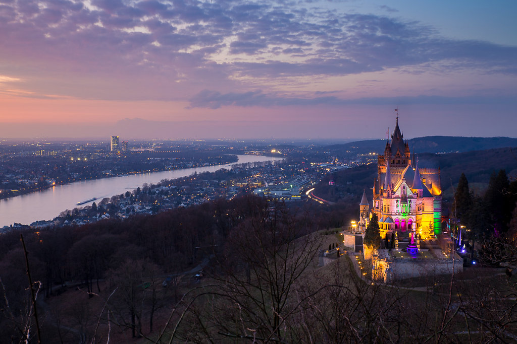 Blick auf Schloss Drachenfels